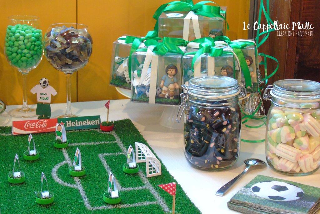 Allestimento tavolo dolci festa a tema calcio - soccer party