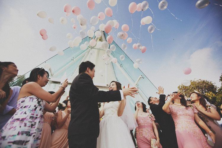 Bali Wedding at Tirtha Bridal by Tinydot Photography (stylemepretty.com)