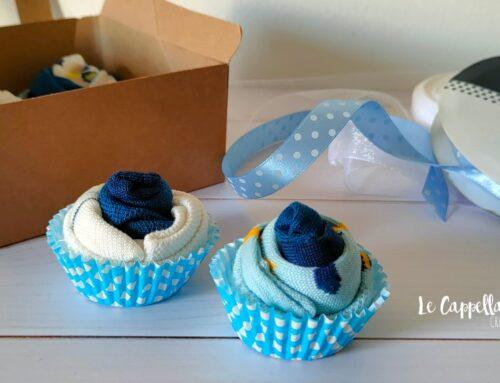 Dolcissimi mini muffin con i calzini da neonato: idea regalo fai da te!